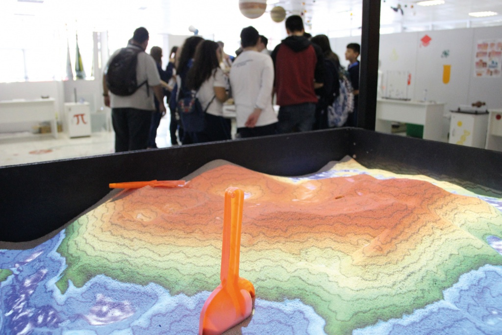 Entreteses098 augmented reality sandbox